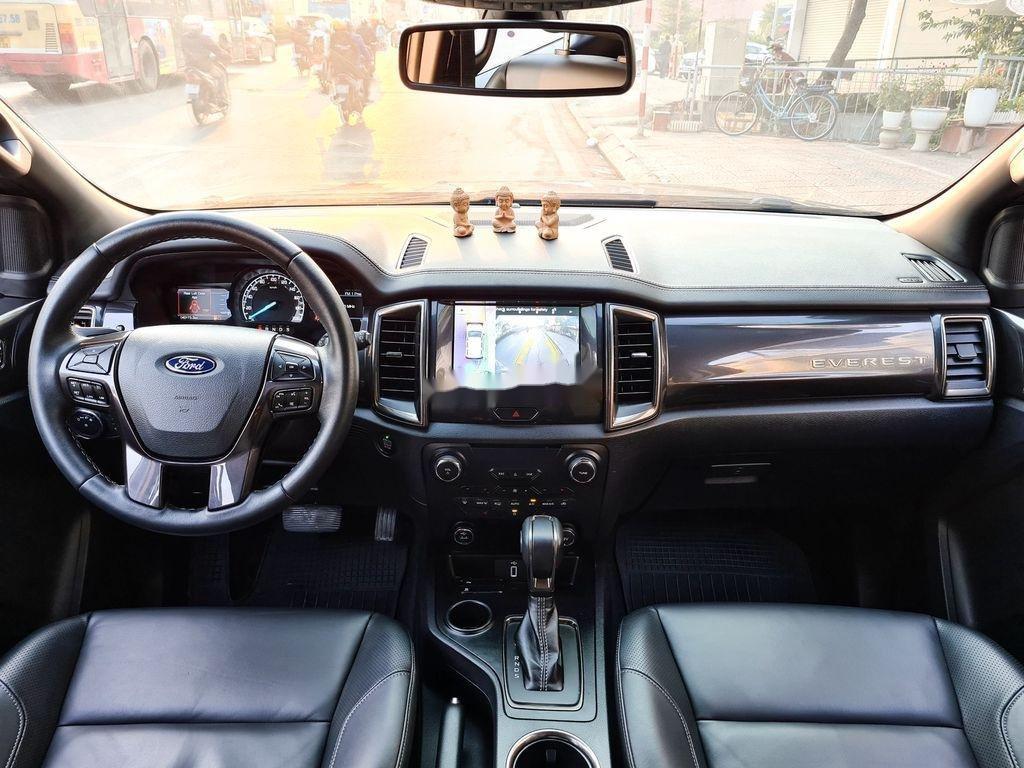 Cần bán xe Ford Everest 2.0 Titanium năm sản xuất 2018 (10)