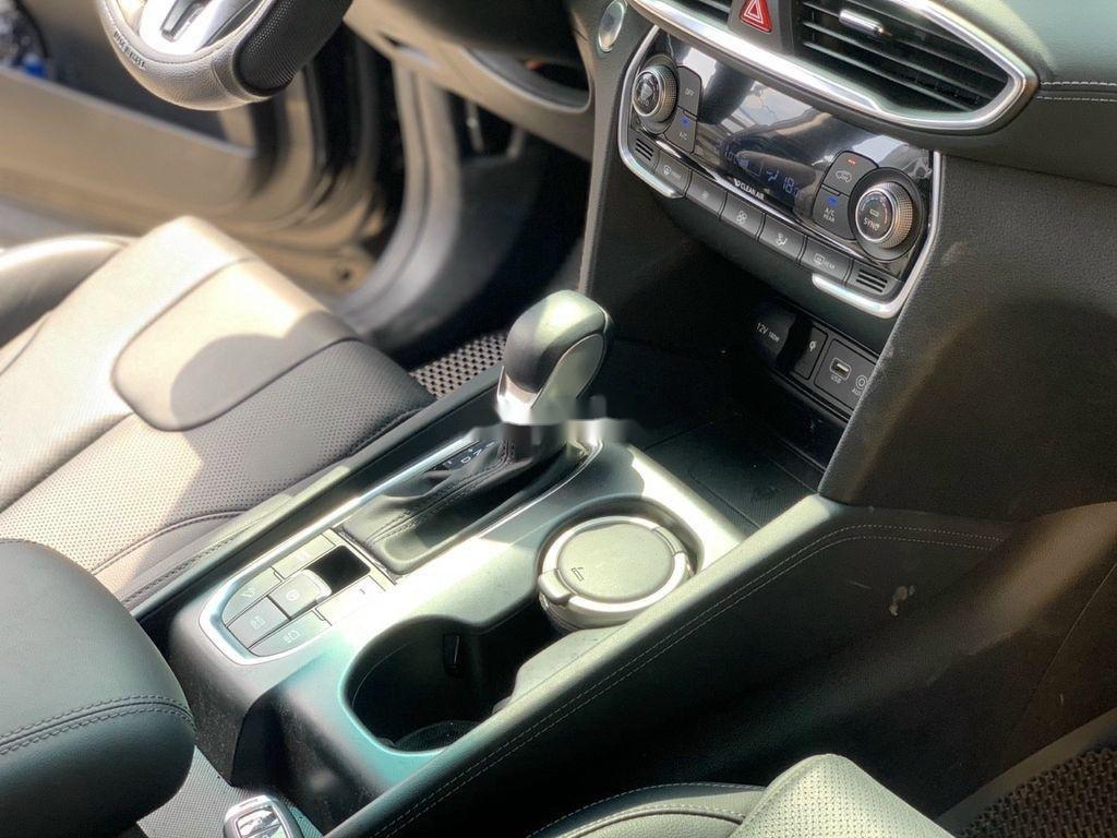Cần bán lại xe Hyundai Santa Fe 2020, màu đen ít sử dụng (8)