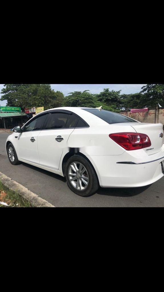 Bán ô tô Chevrolet Cruze 2016, màu trắng còn mới, giá tốt (3)