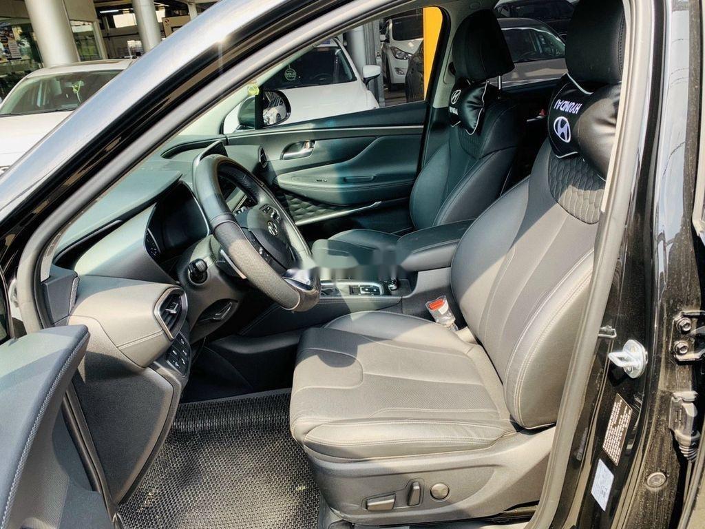 Cần bán lại xe Hyundai Santa Fe 2020, màu đen ít sử dụng (5)