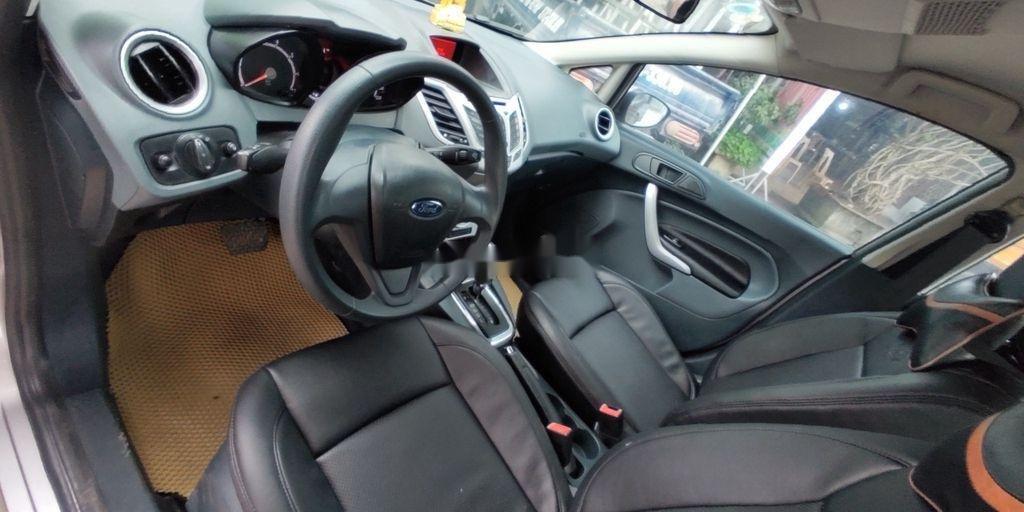 Xe Ford Fiesta năm sản xuất 2012, nhập khẩu nguyên chiếc (8)