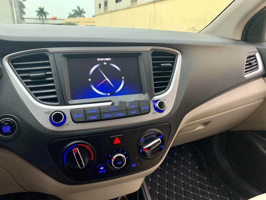 Cần bán lại xe Hyundai Accent đời 2020, màu trắng còn mới (5)
