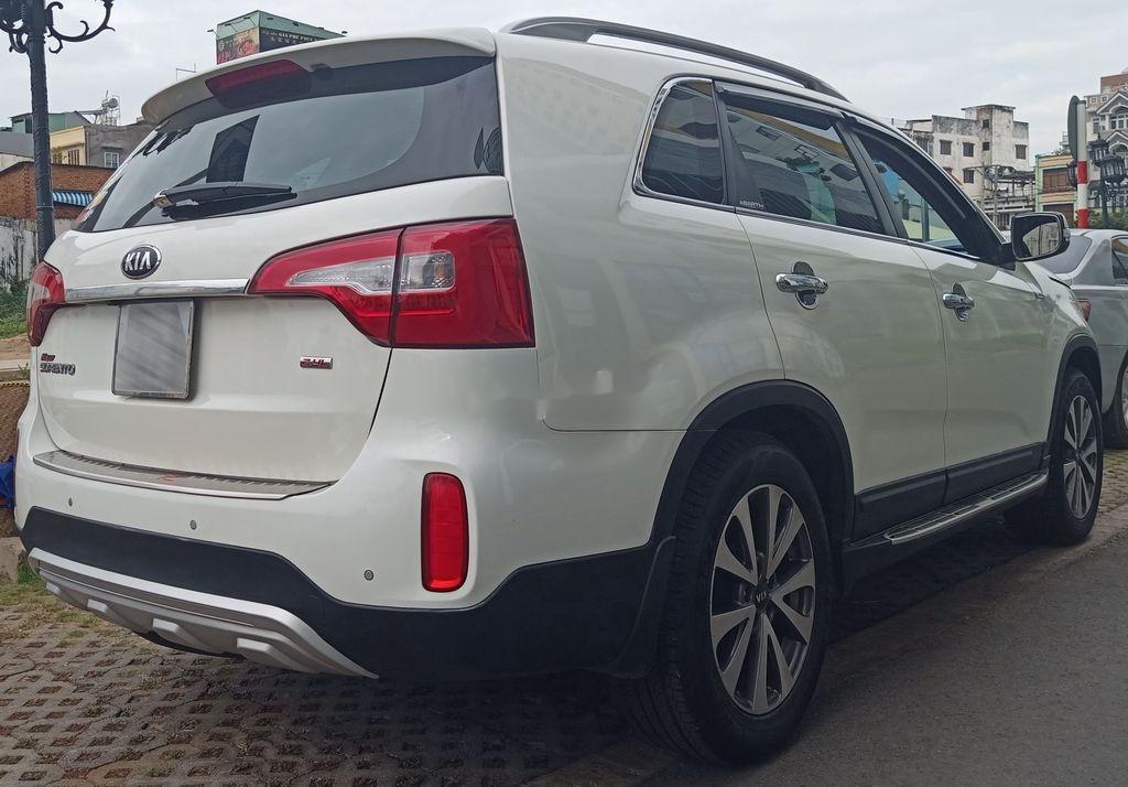 Cần bán xe Kia Sorento năm 2015, xe chính chủ giá ưu đãi (2)
