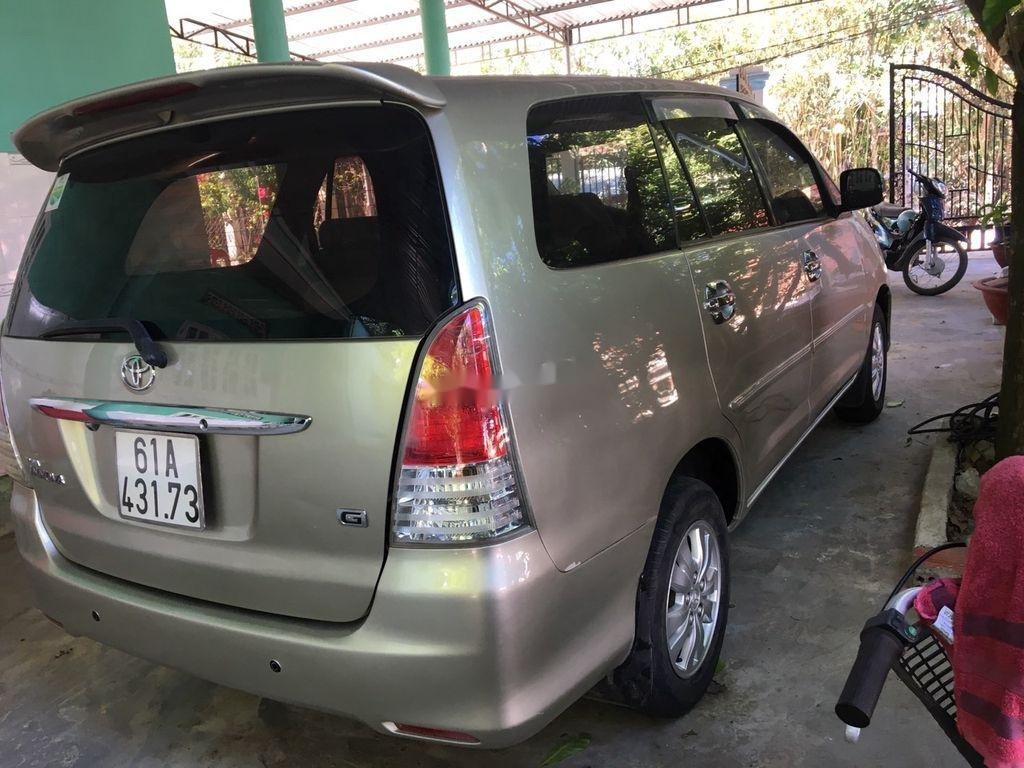Bán Toyota Innova sản xuất năm 2009 còn mới (6)