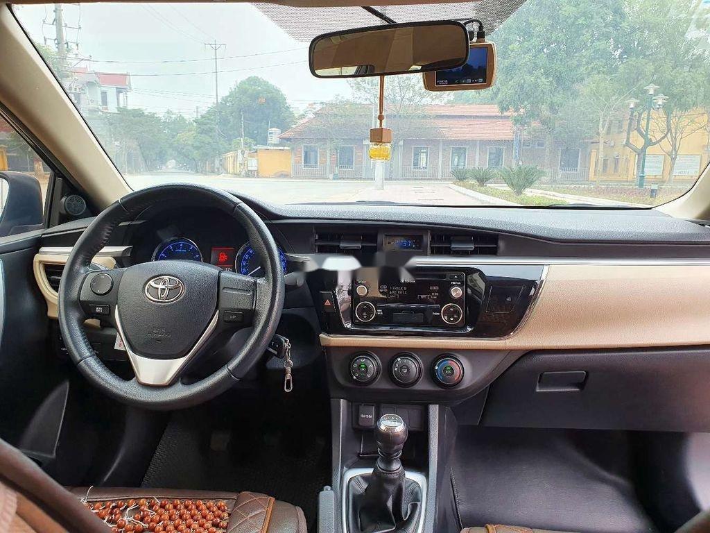 Cần bán gấp Toyota Corolla Altis năm 2014, giá mềm (5)