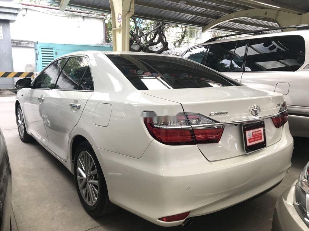 Bán Toyota Camry sản xuất năm 2018 còn mới (3)