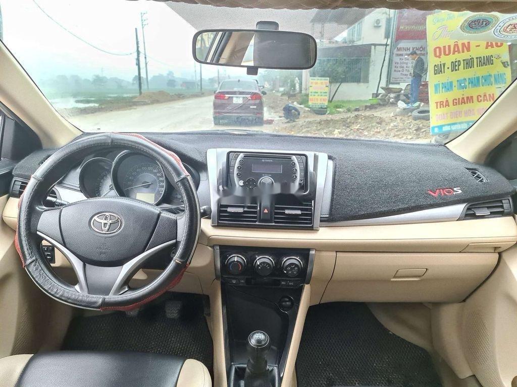 Cần bán gấp Toyota Vios sản xuất 2015 còn mới (5)