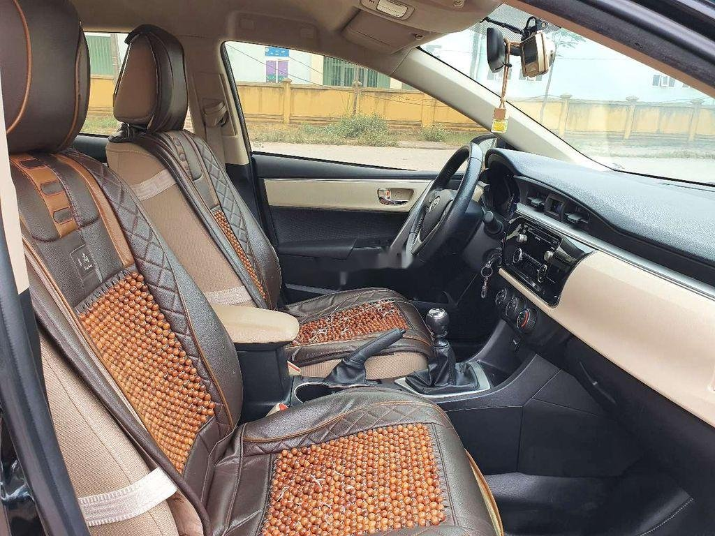 Cần bán gấp Toyota Corolla Altis năm 2014, giá mềm (6)