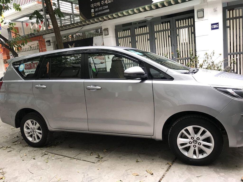 Bán Toyota Innova năm sản xuất 2019 còn mới (2)