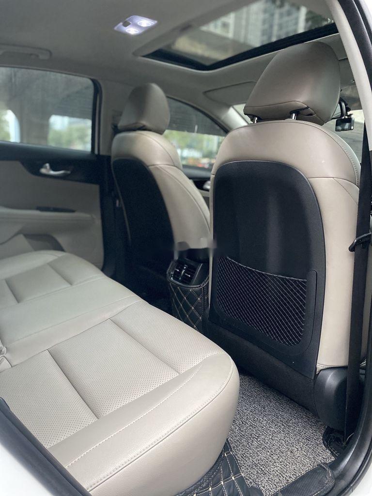 Bán Kia Cerato sản xuất năm 2019, màu trắng, giá chỉ 625 triệu (6)