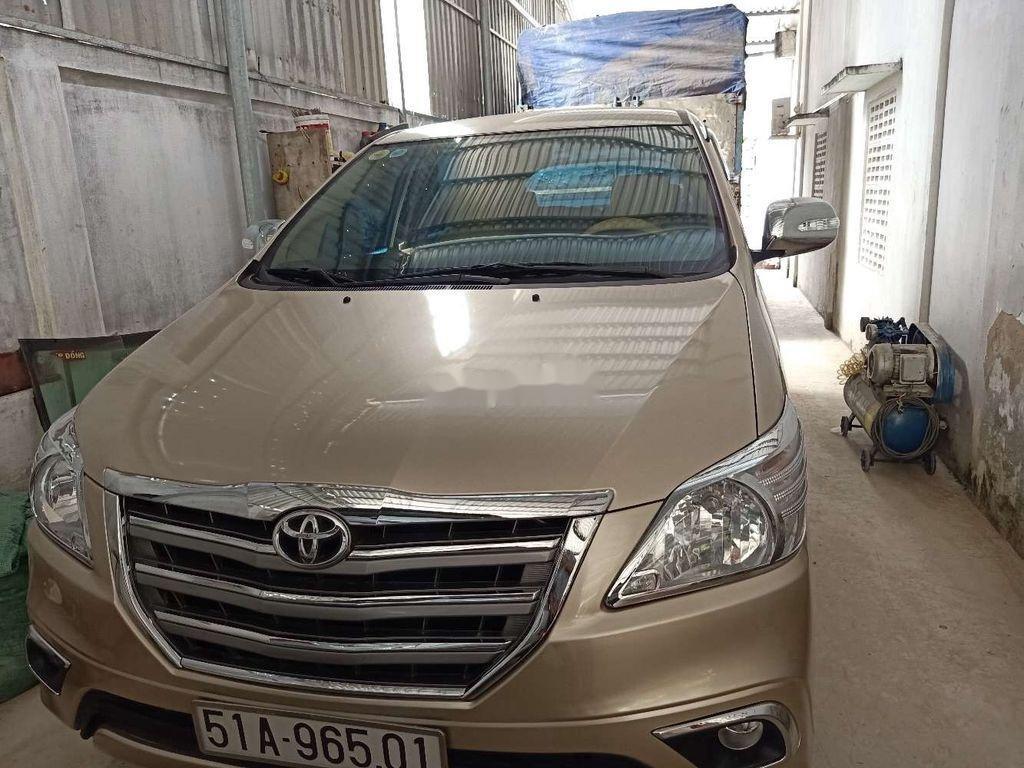 Cần bán xe Toyota Innova sản xuất 2014 còn mới (1)