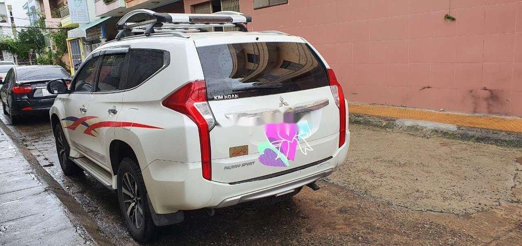 Cần bán lại xe Mitsubishi Pajero Sport sản xuất năm 2018, màu trắng (2)
