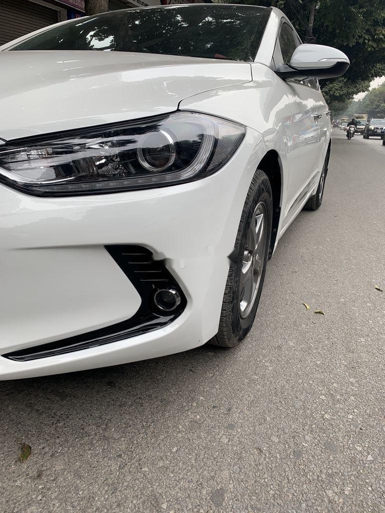 Bán Hyundai Elantra năm 2017, xe giá thấp, động cơ ổn định  (7)