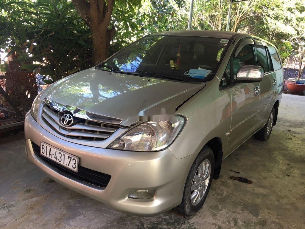 Bán Toyota Innova sản xuất năm 2009 còn mới (1)