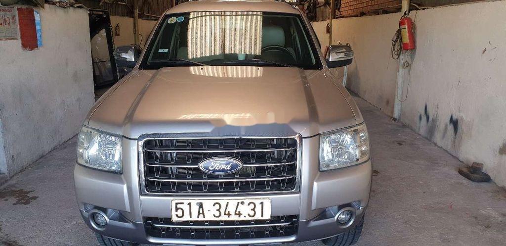 Xe Ford Everest năm sản xuất 2007, màu bạc ít sử dụng (1)