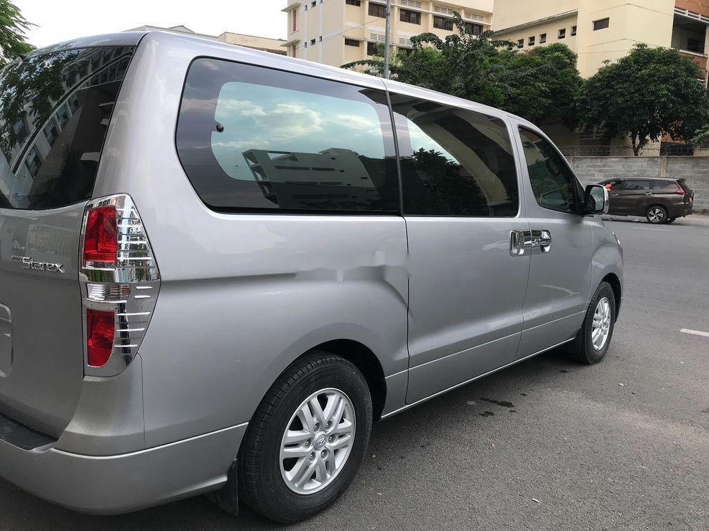 Bán xe Hyundai Starex sản xuất 2016, xe chính chủ giá thấp (6)