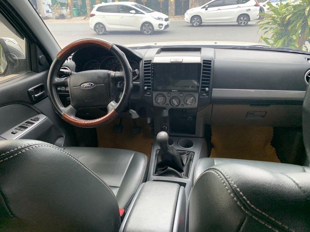 Bán xe Ford Everest sản xuất 2013, xe giá thấp, động cơ ổn định (2)