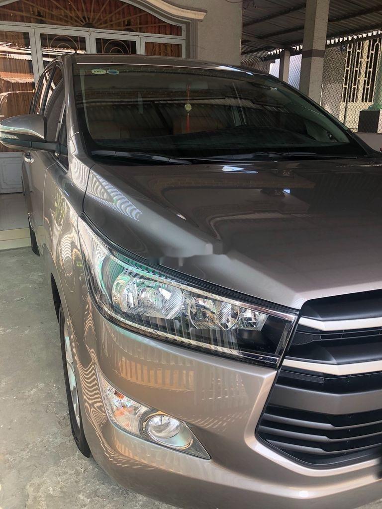 Cần bán xe Toyota Innova năm sản xuất 2019, giá mềm (1)