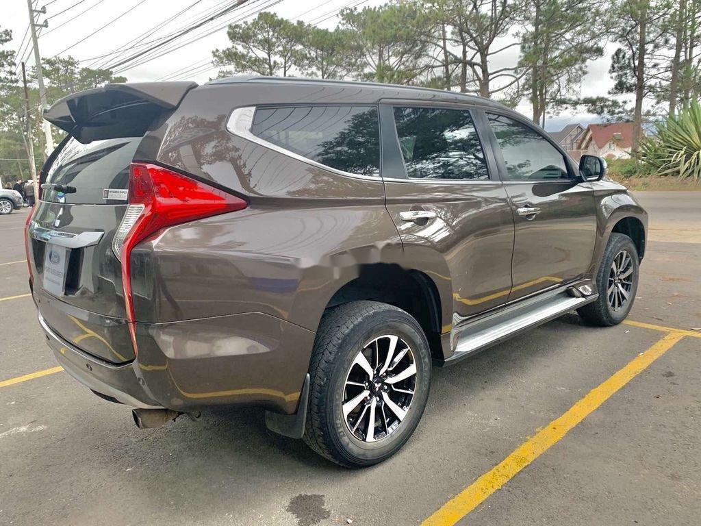 Bán ô tô Mitsubishi Pajero Sport năm 2018, màu nâu, máy dầu (4)