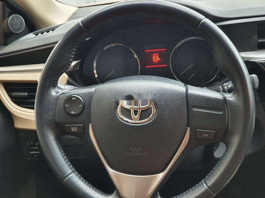 Cần bán gấp Toyota Corolla Altis năm 2014, giá mềm (12)