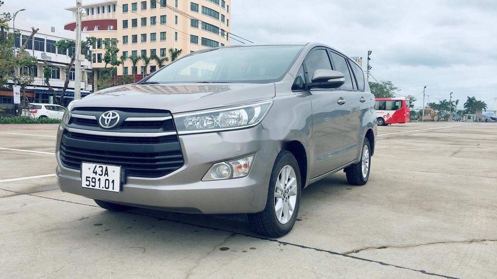 Cần bán lại xe Toyota Innova sản xuất năm 2017 còn mới, giá chỉ 565 triệu (3)