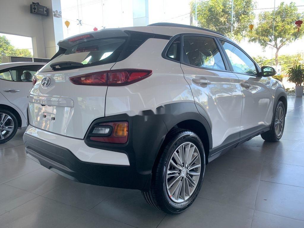 Bán ô tô Hyundai Kona năm sản xuất 2020, màu trắng, 624tr (3)