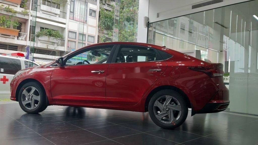 Cần bán xe Hyundai Accent năm 2020, màu đỏ, giá tốt (3)