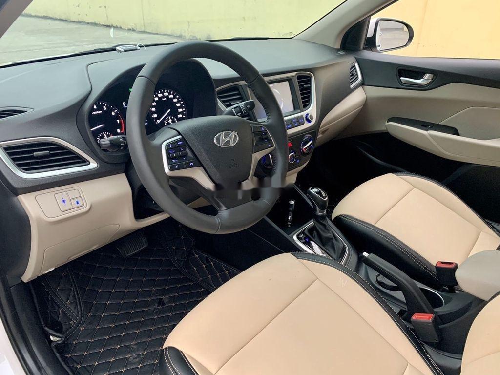 Cần bán lại xe Hyundai Accent đời 2020, màu trắng còn mới (11)
