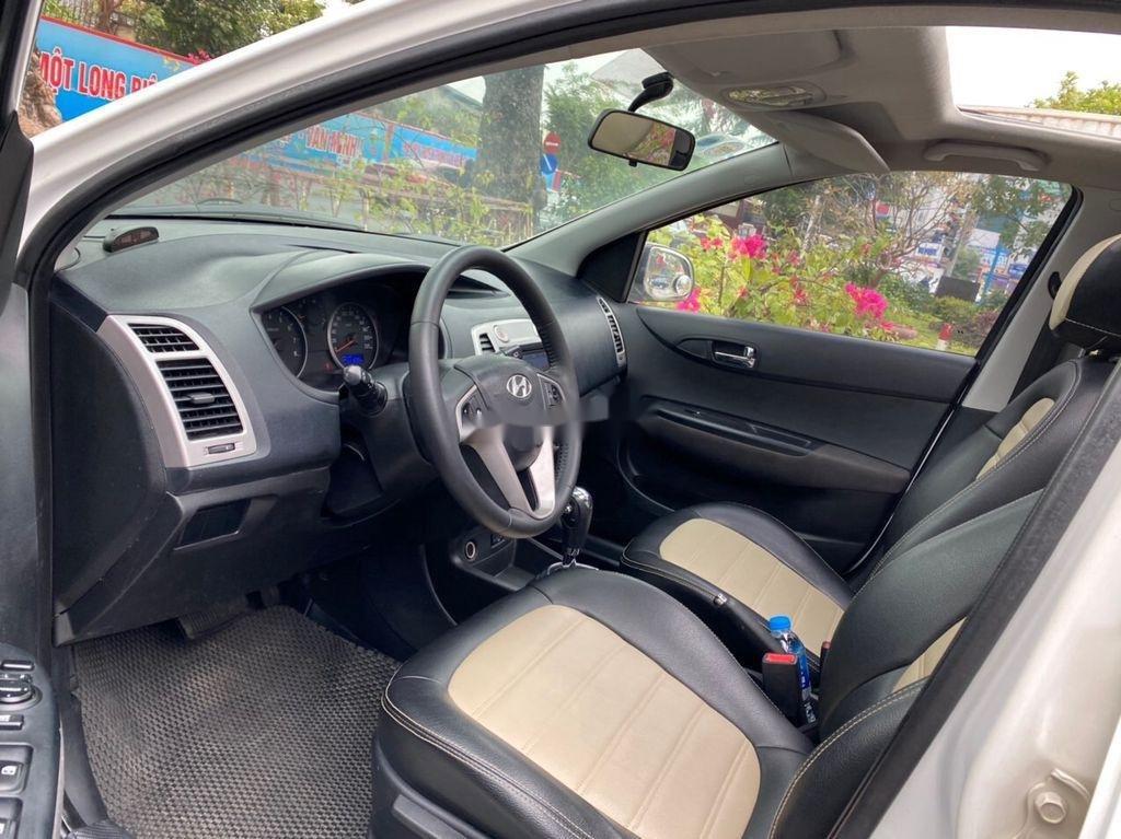 Cần bán lại xe Hyundai i20 năm sản xuất 2011, màu trắng (3)