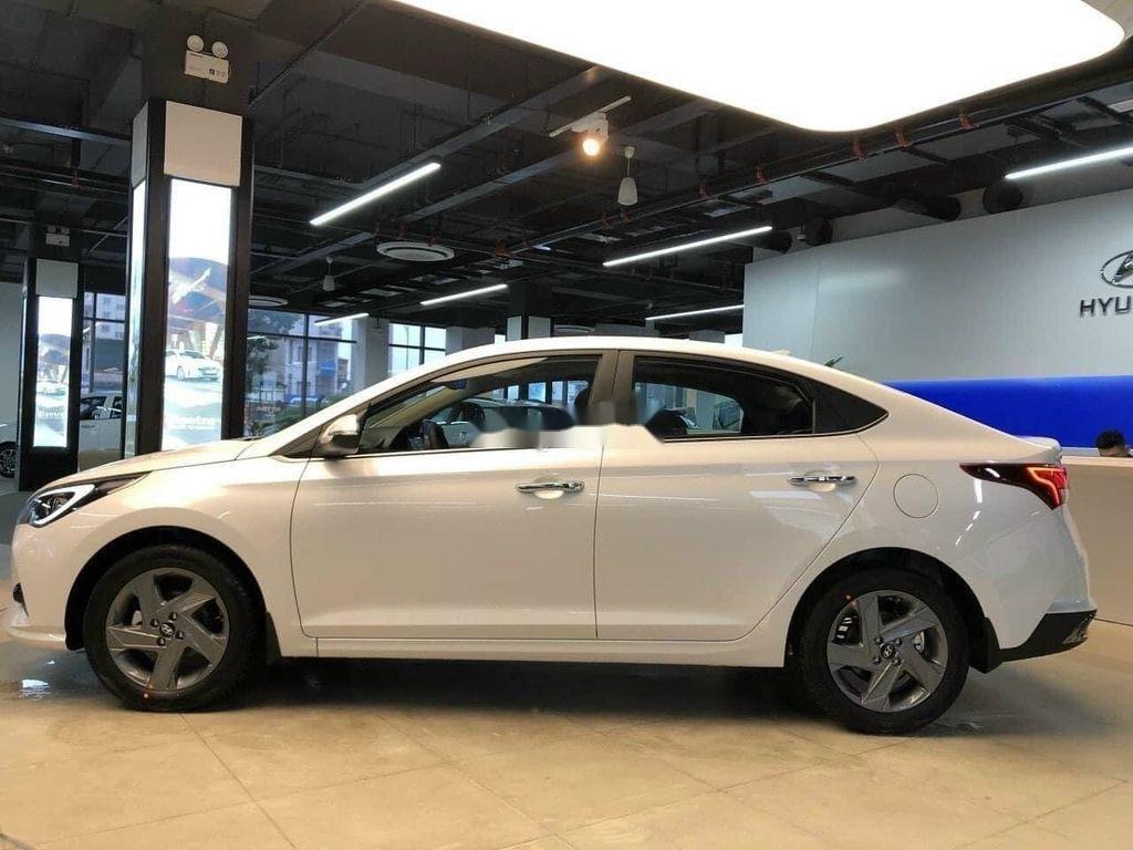Cần bán Hyundai Accent 2021, xe nhập, giá ưu đãi (4)