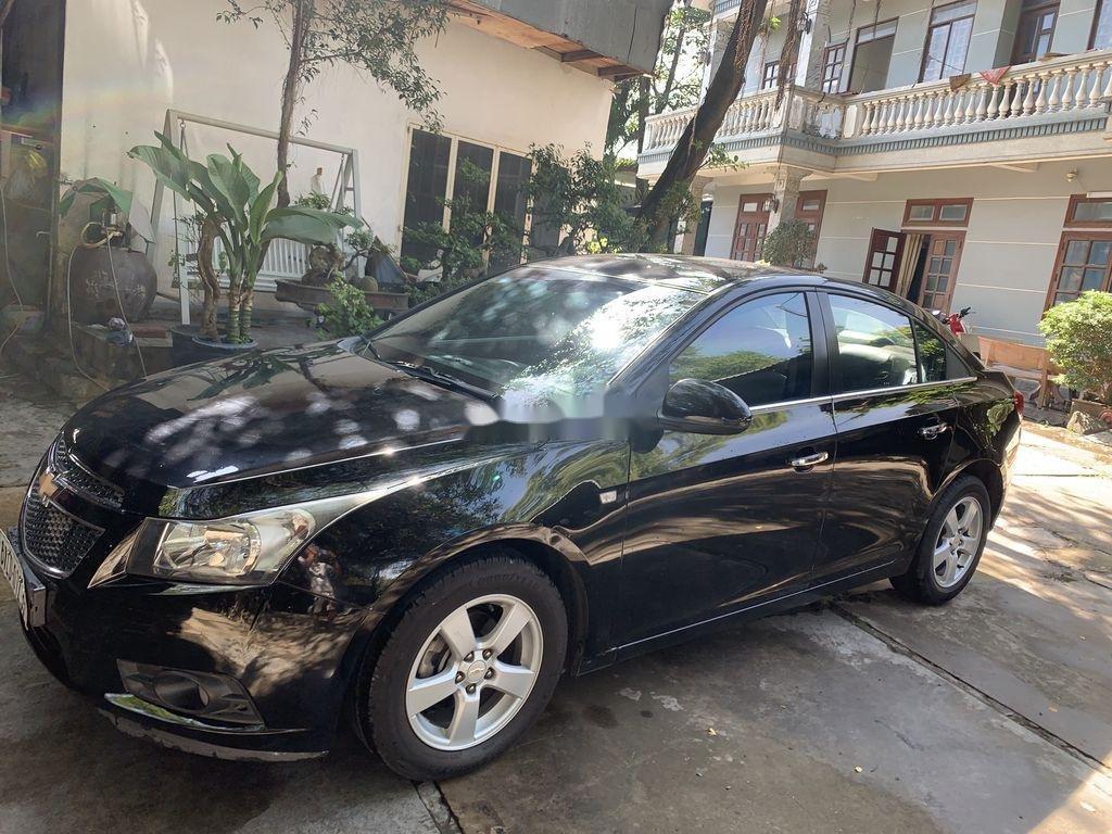 Bán Chevrolet Cruze 2014, màu đen ít sử dụng (1)