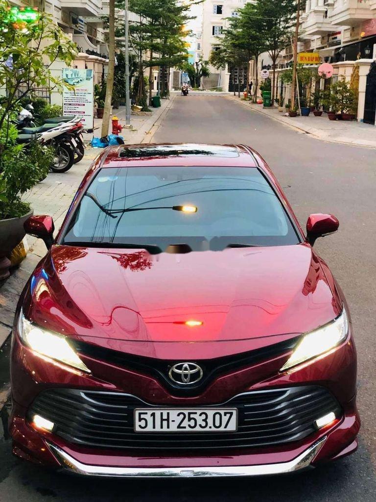 Bán ô tô Toyota Camry sản xuất 2019, nhập khẩu nguyên chiếc còn mới (1)