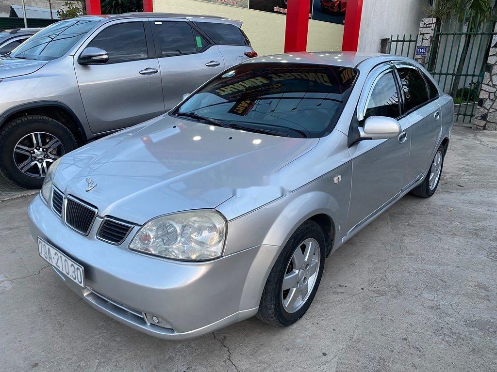 Bán xe Daewoo Lacetti năm sản xuất 2004, màu bạc (2)