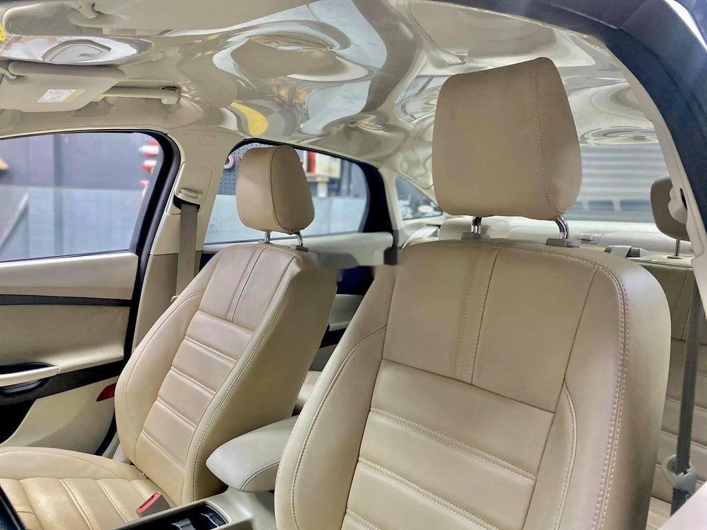 Bán Ford Focus năm sản xuất 2017 (8)