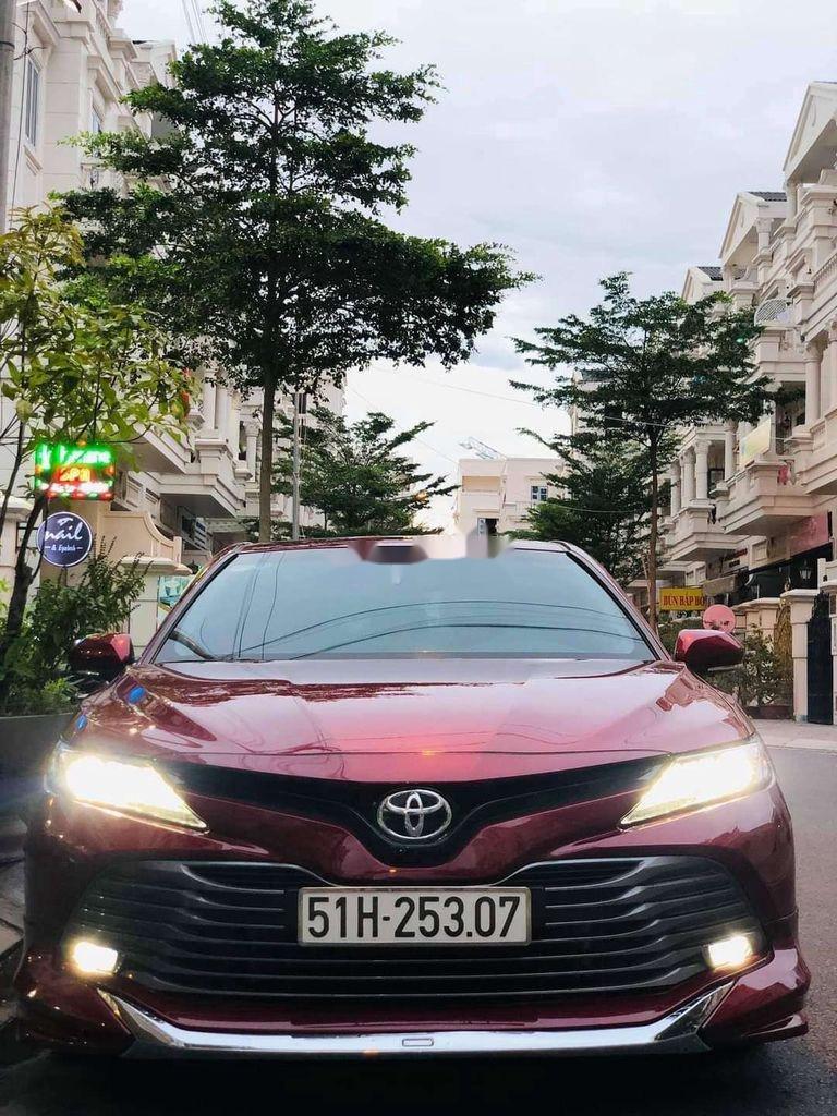 Bán ô tô Toyota Camry sản xuất 2019, nhập khẩu nguyên chiếc còn mới (2)