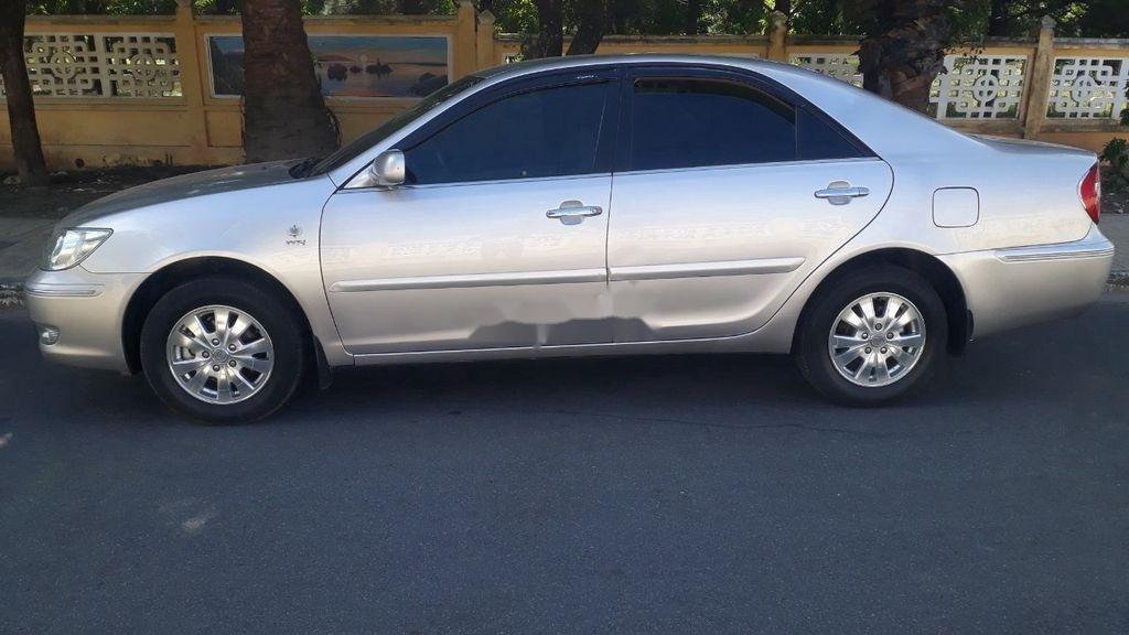 Bán Toyota Camry năm 2003, xe chính chủ giá ưu đãi (2)