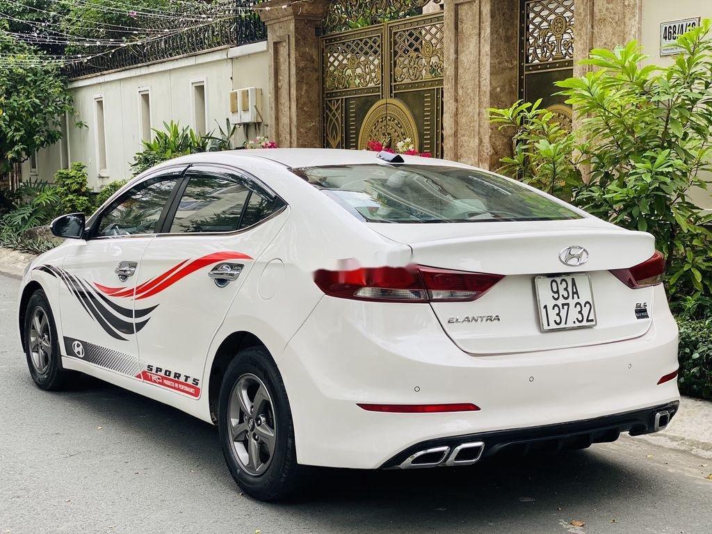 Bán Hyundai Elantra sản xuất 2017, nhập khẩu nguyên chiếc, giá chỉ 409 triệu (1)