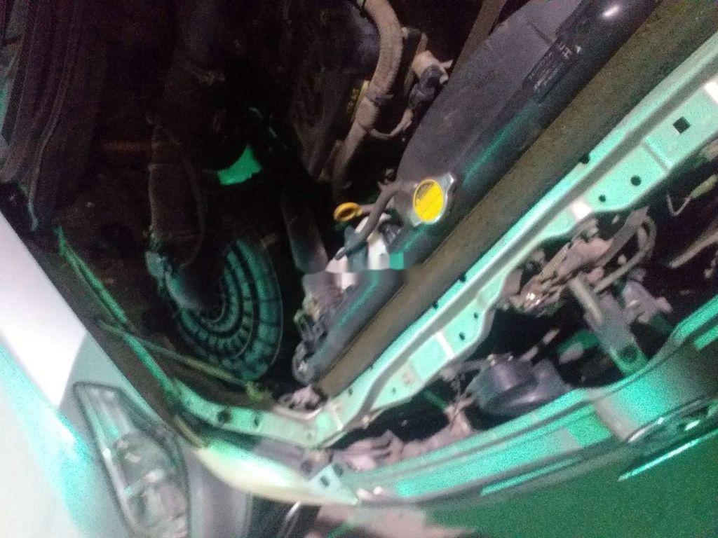 Cần bán lại xe Toyota Innova sản xuất 2012, nhập khẩu nguyên chiếc còn mới (6)