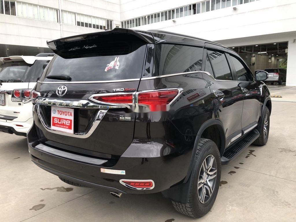 Cần bán xe Toyota Fortuner đời 2020, màu đen chính chủ, giá chỉ 980 triệu (6)