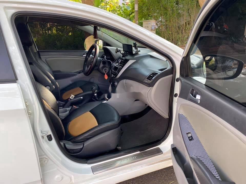 Bán Hyundai Accent sản xuất 2015, nhập khẩu nguyên chiếc (7)