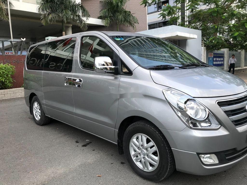 Bán xe Hyundai Starex sản xuất 2016, xe chính chủ giá thấp (3)
