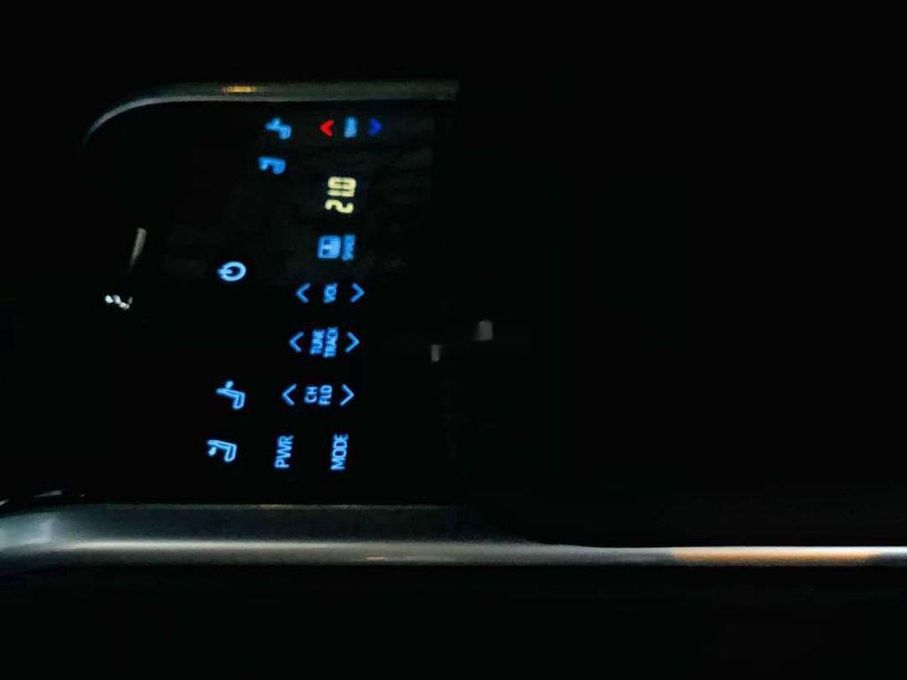 Bán ô tô Toyota Camry sản xuất 2019, nhập khẩu nguyên chiếc còn mới (10)