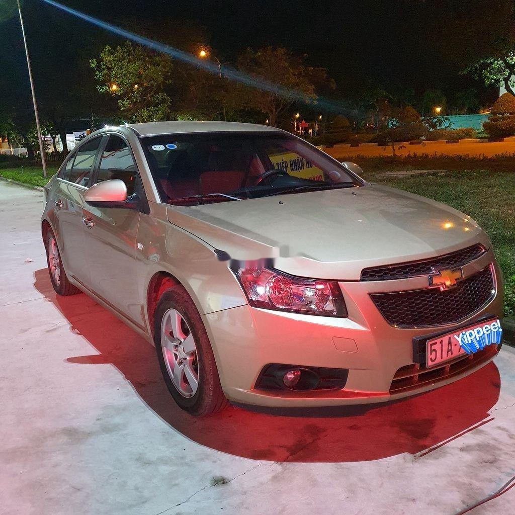 Cần bán Chevrolet Cruze sản xuất năm 2014 còn mới giá cạnh tranh (1)