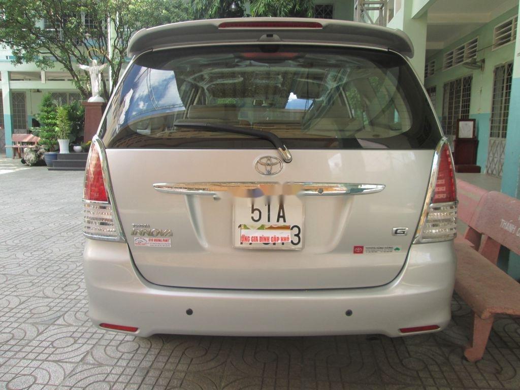 Cần bán xe Toyota Innova sản xuất năm 2011 còn mới, 376 triệu (3)