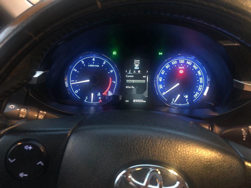 Bán xe Toyota Corolla Altis năm sản xuất 2017 còn mới, giá 585tr (9)