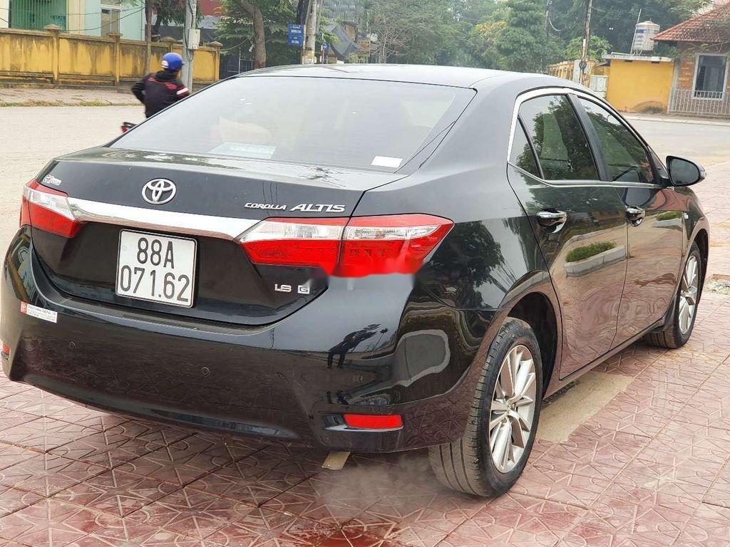 Cần bán gấp Toyota Corolla Altis năm 2014, giá mềm (2)