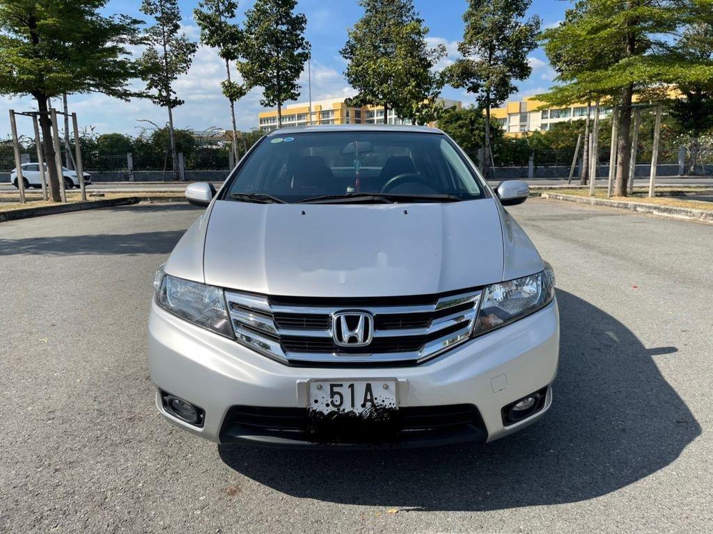 Cần bán gấp Honda City sản xuất năm 2014 (1)