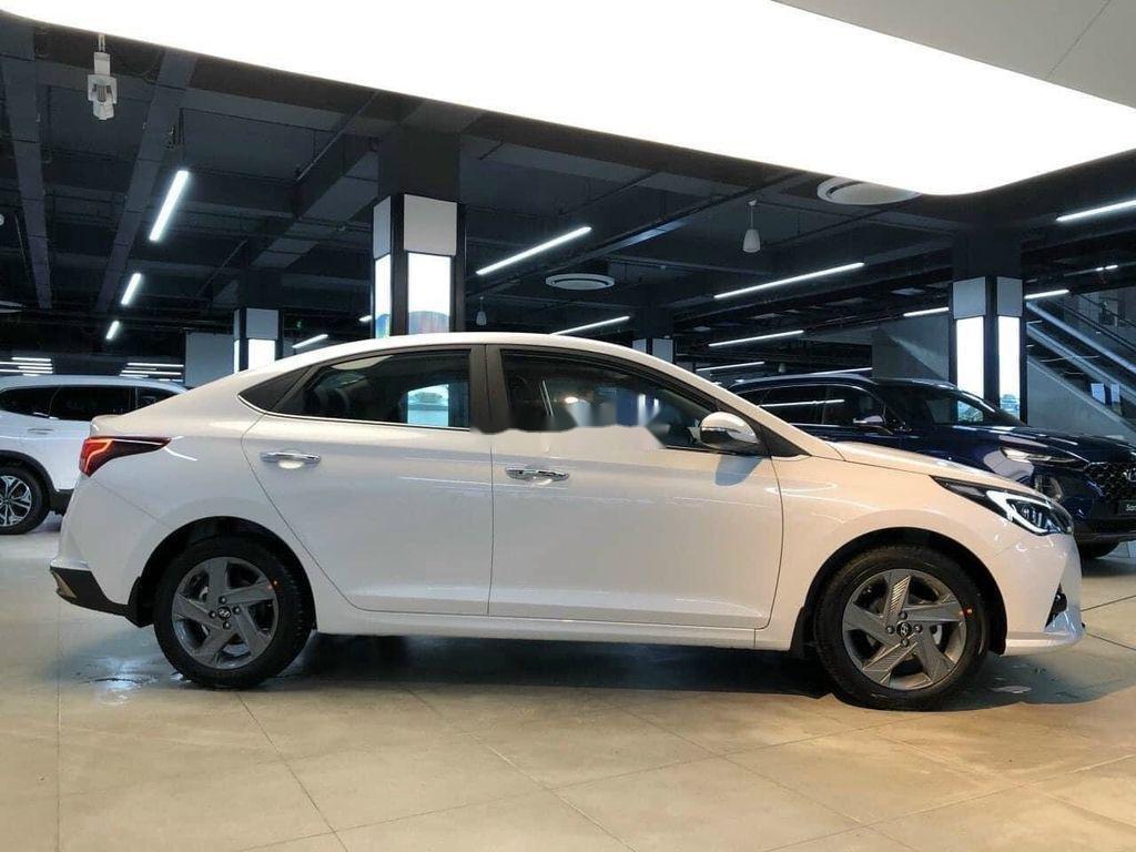 Cần bán Hyundai Accent 2021, xe nhập, giá ưu đãi (2)