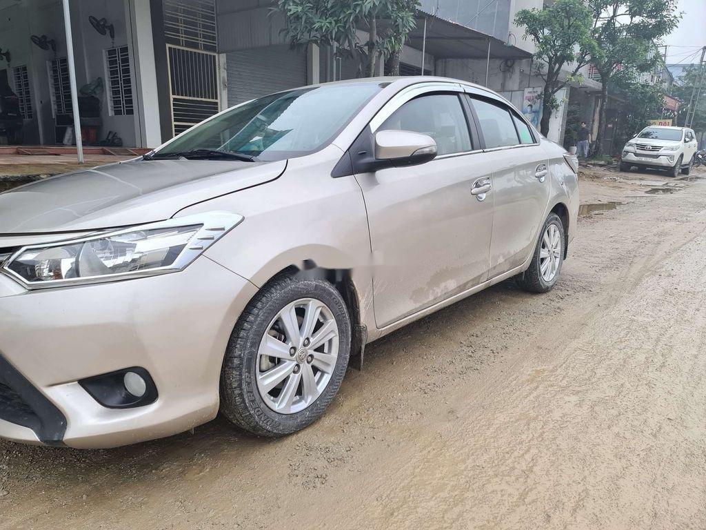 Cần bán gấp Toyota Vios sản xuất 2015 còn mới (3)