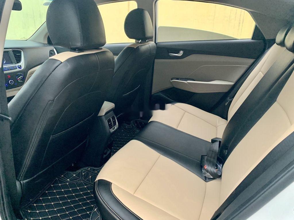 Cần bán lại xe Hyundai Accent đời 2020, màu trắng còn mới (12)